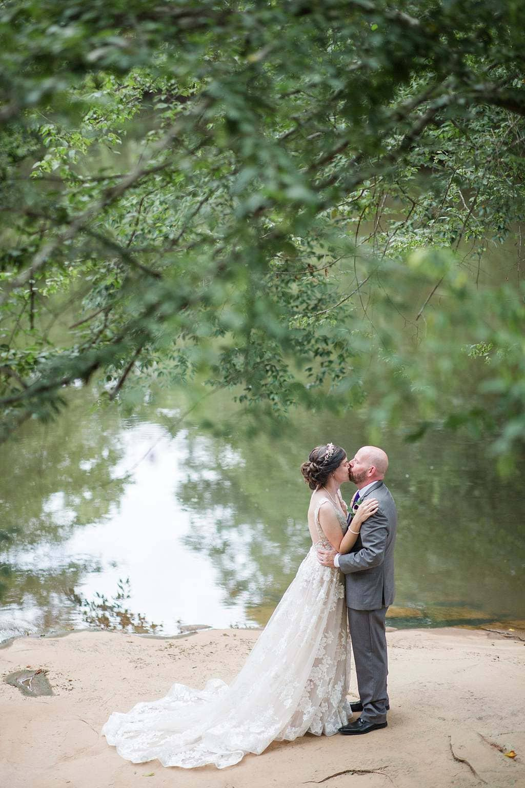 Riverside wedding pictures